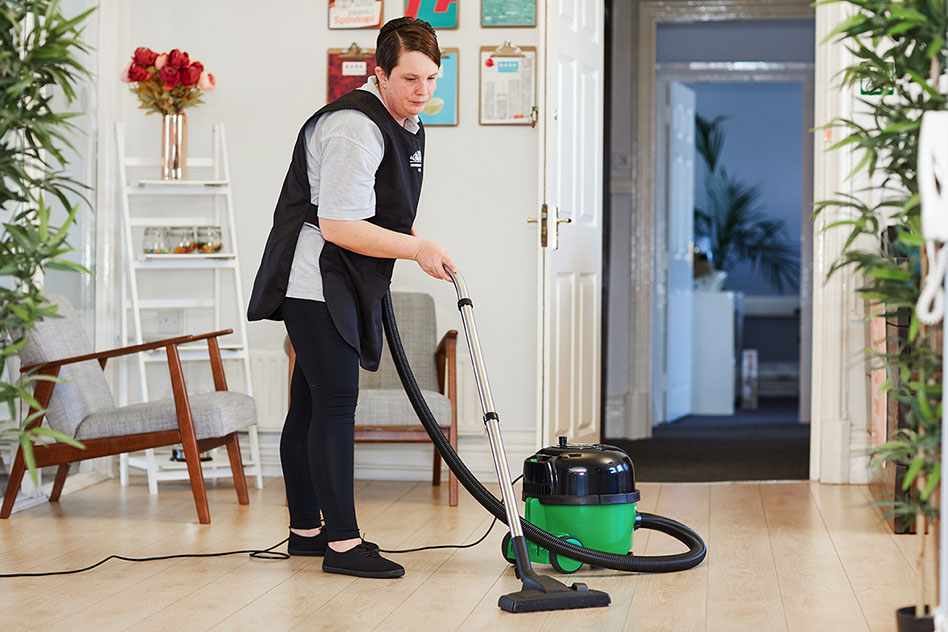 How to Choose Between Different Cleaning Companies
